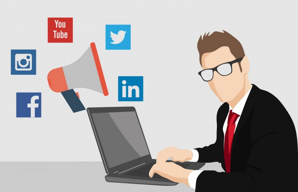 social media manager cosa fa