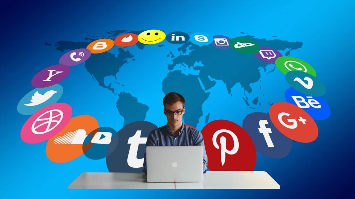 come si diventa social media manager